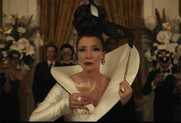 Emma Thompson Baroness von Hellman - Cruella