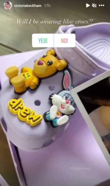 Justin Bieber regaló Crocs moradas a Victoria Beckham
