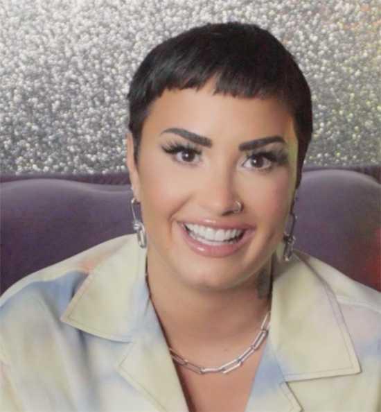 Demi Lovato se declara género no binario