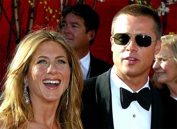 Jennifer Aniston menciona a Brad como invitado favorito de Friends