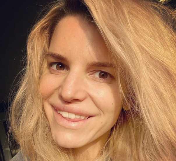Jessica Simpson publica selfie sin filtro ni maquillaje