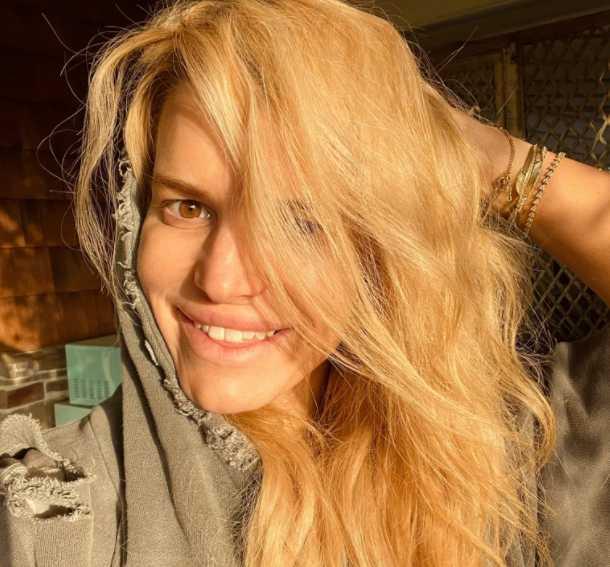 Jessica Simpson selfie sin filtro ni maquillaje