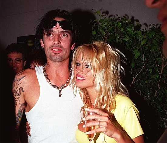 Tommy Lee y Pamela Anderson en 1995