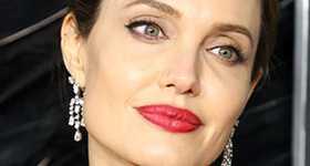 Angelina Jolie dice que 3 de sus hijos querían testificar contra Brad Pitt