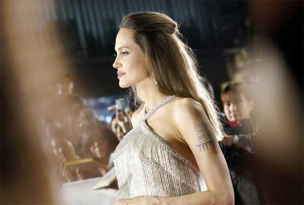 Angelina Jolie decepcionada porque Brad obtuvo la custodia compartida