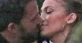 JLo y Ben Affleck besándose en Malibú - FOTOS Y VIDEO