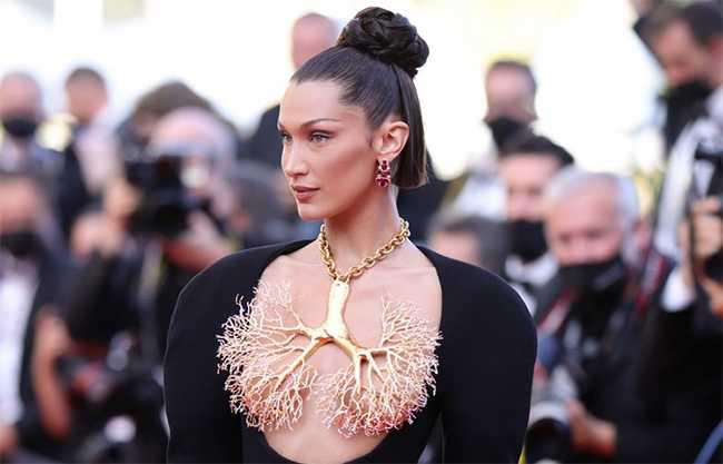Bella Hadid y su vestido en Cannes