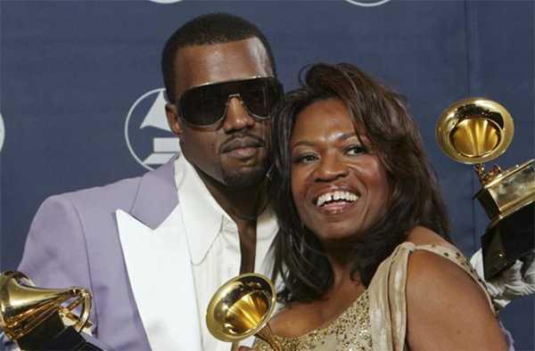 Kanye West y su madre Donda West