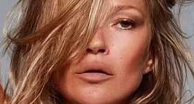 Kate Moss imagen de SKIMS de Kim Kardashian