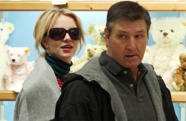 Jamie Spears accede a dejar de ser tutor de Britney