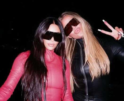 Kim y Khloe en la fiesta de DONDA