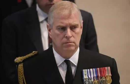 Príncipe Andrew le ordenaron no emitir comunicado de inocencia por demanda