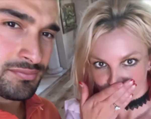 Britney Spears comprometida con Sam Asghari