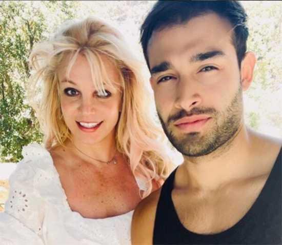 Britney y Sam se fueron de vacaciones después de la audiencia