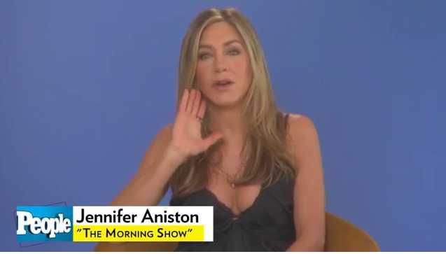 Jennifer Aniston espera salir con alguien fuera de la industria