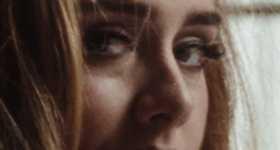 Adele lanzó su canción Easy On Me. Opiniones divididas