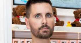 Scott Disick evitando eventos familiares por Travis Barker